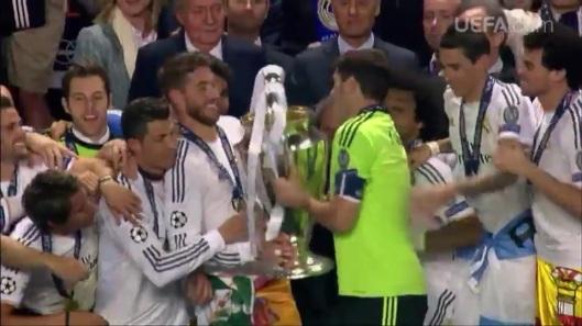 UEFA 2014 - DECIMA 244